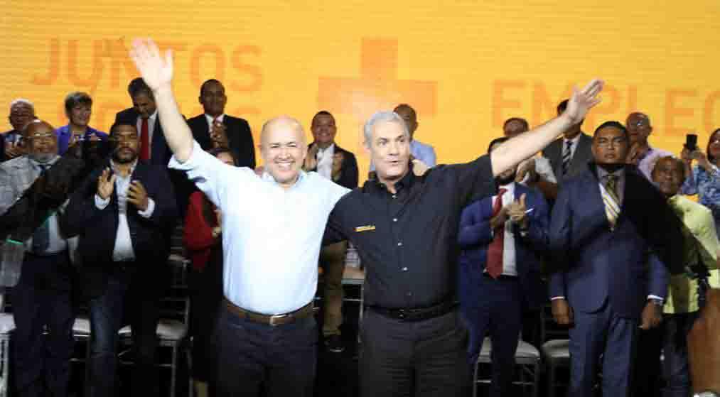 Domínguez Brito formaliza respaldo al precandidato presidencial Gonzalo Castillo