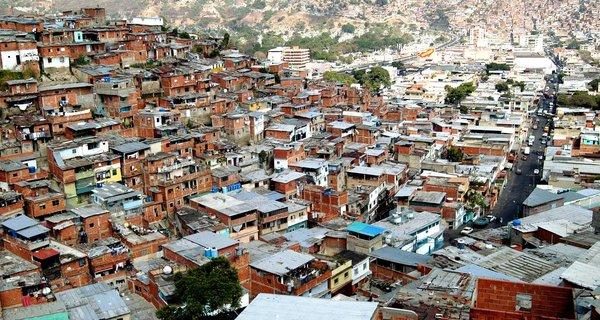 Latinoamérica crece a un ritmo insuficiente para cerrar sus brechas sociales