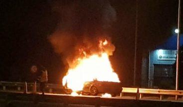 Hallan en EEUU a niño de tres años que se salvó de vehículo en llamas