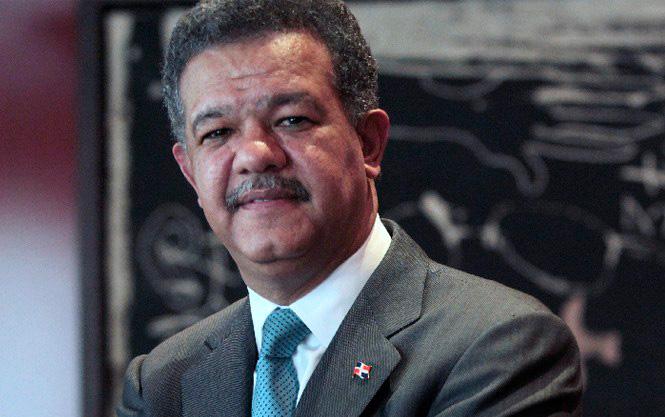 Expresidente Fernández felicita a selección de baloncesto por su triunfo ante Alemania