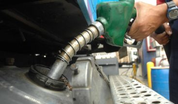 Bajan precios de todos los combustibles
