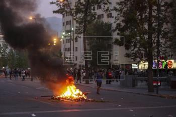 Disturbios en Santiago de Chile dejan 308 detenidos y 167 personas heridas
