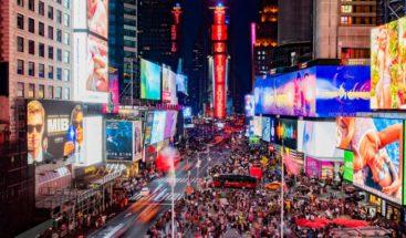 Juez levanta restricciones a clubes de alterne y librerías porno en New York