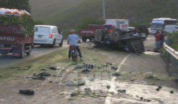 Velan restos de dos que fallecieron en accidente de tránsito en Azua