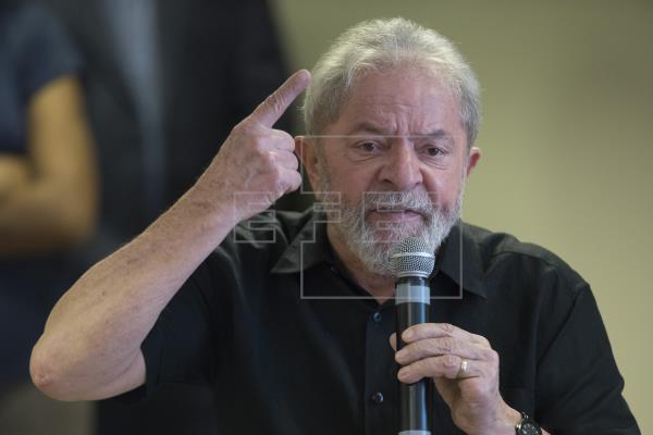 Suspenden juicio que podría anular condena de Lula por petición de la defensa