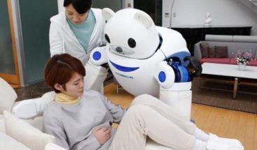 Robots son utilizados como cuidadores de ancianos en Japón
