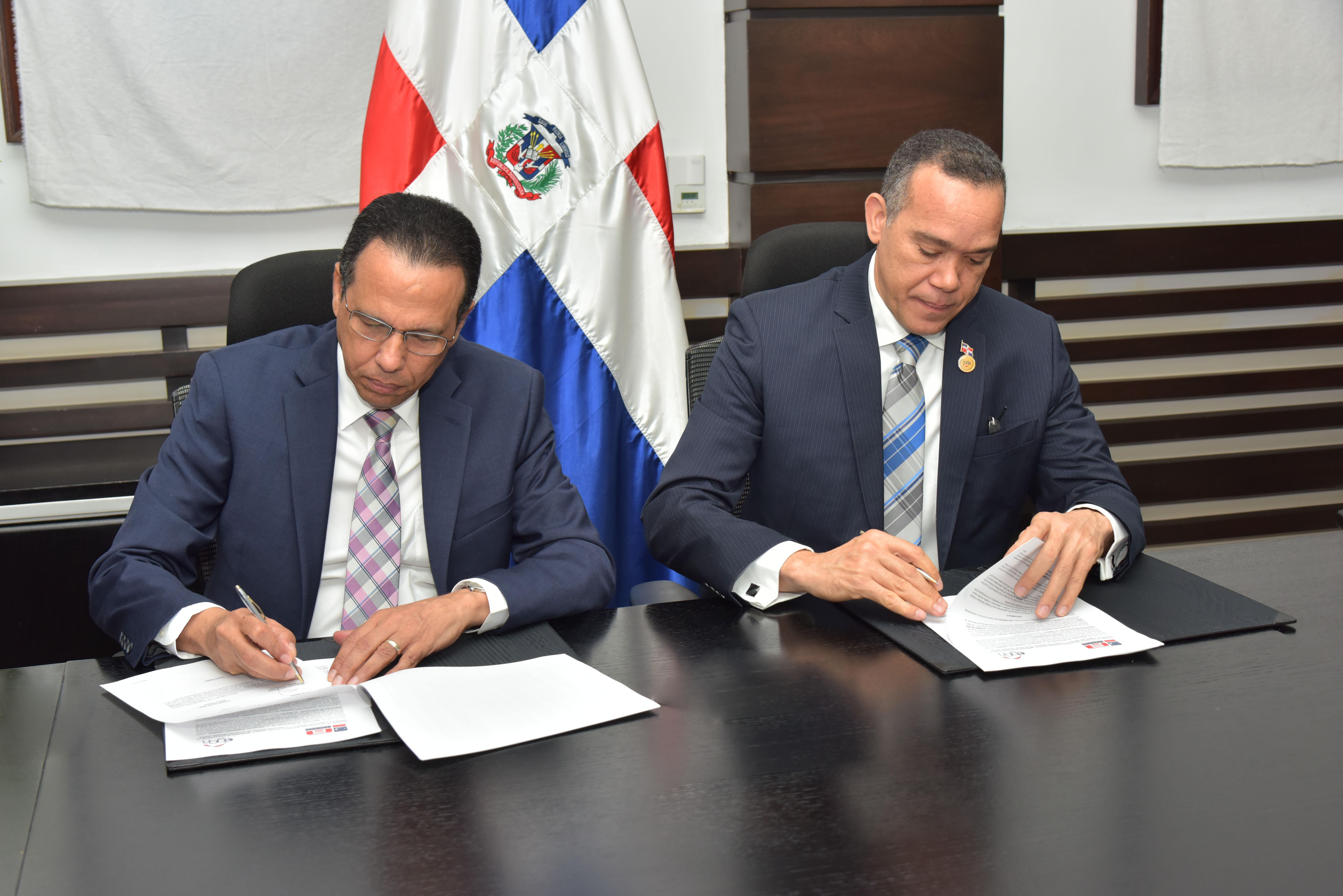 MINERD firma acuerdo con Catastro Nacional para transparentar compra de terrenos donde construyen escuelas