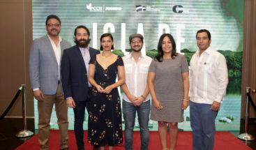 """Nashla Bogaert y José María Cabral presentan los detalles del documental """"Isla de Plástico"""""""