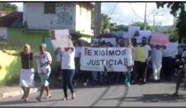 Familiares de jóvenes asesinados en 2015 reclaman en Moca que hay homicidas sueltos