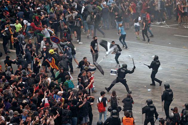 La tensión prosigue en Cataluña con más protestascontra la sentencia que condenó a líderes