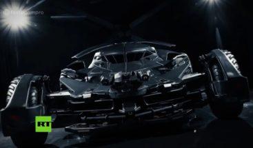 Venderán por más de 800.000 dólares copia del vehículo de Batman en Moscú
