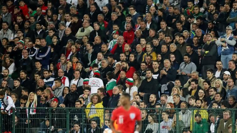 FIFA recuerda que puede ampliar a todo el mundo las sanciones por racismo