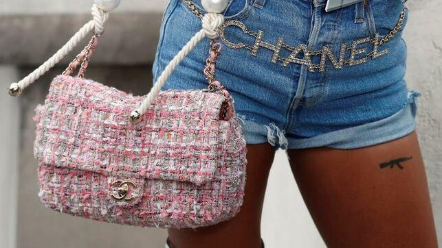 Chanel se rejuvenece en la pasarela y apuesta por el corto y los brillantes