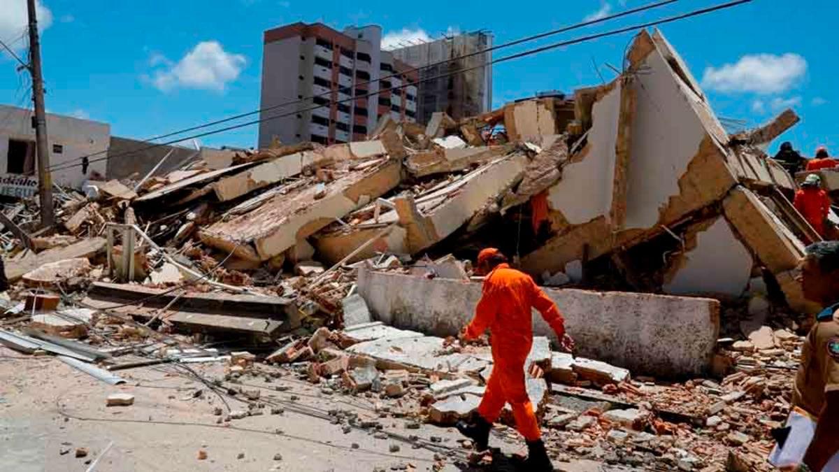 Hallan cuerpos de últimos desaparecidos en derrumbe de un edificio en Brasil