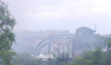Llega a su 7mo día incendio en vertedero de Haina; humo seguirá ocasionando daños a habitantes