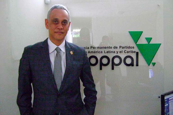 Presidente de la Copppal se une al maratón de renuncias del PLD