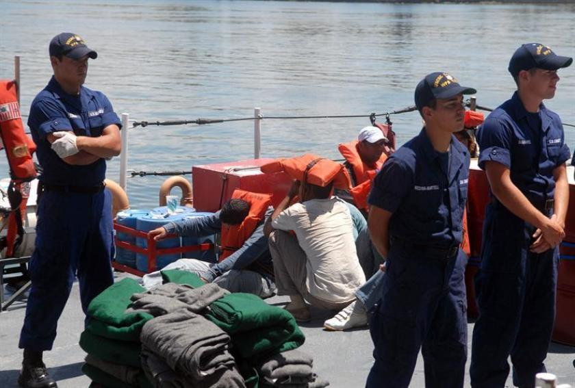 Repatrían a 45 dominicanos que trataban de llegar ilegalmente a Puerto Rico