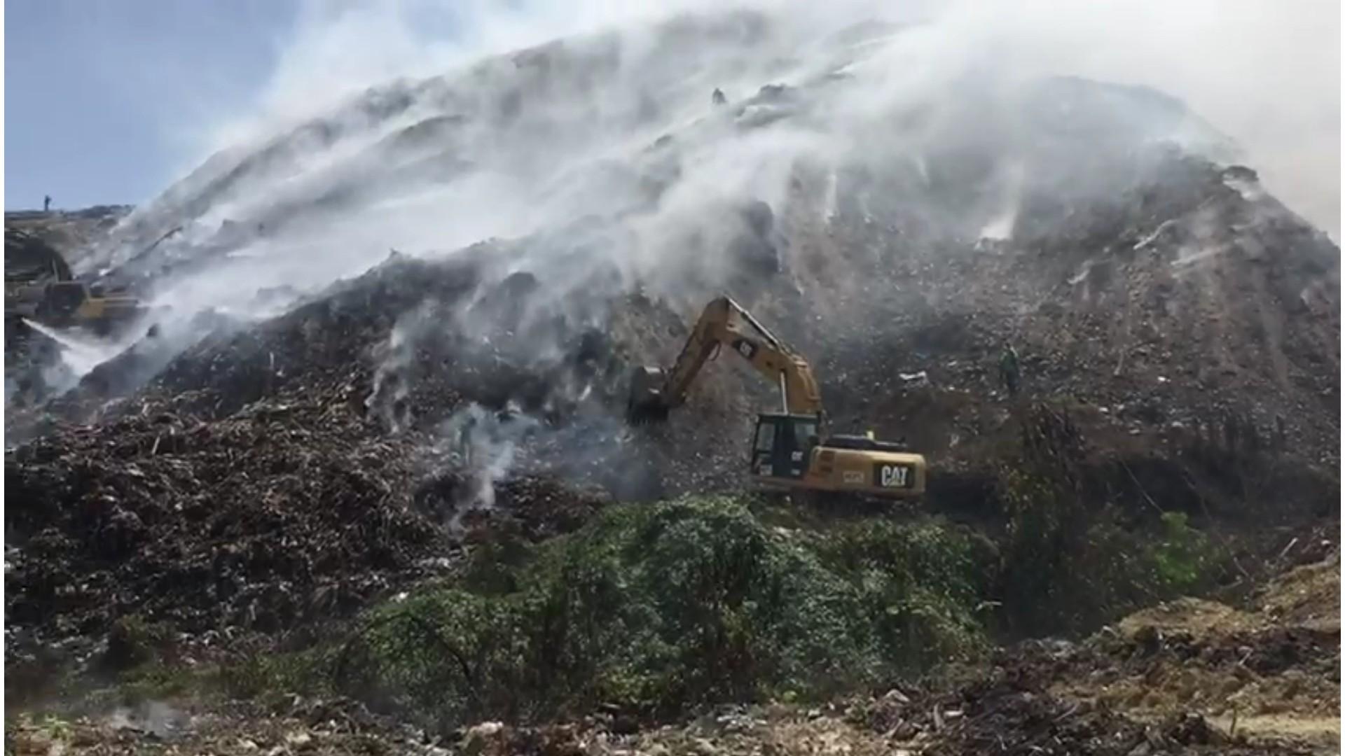 Comisión del Ministerio de Obras Públicas interviene en vertedero de Haina