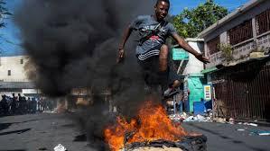 Incendios y barricadas en inicio de una nueva jornada de protestas en Haití