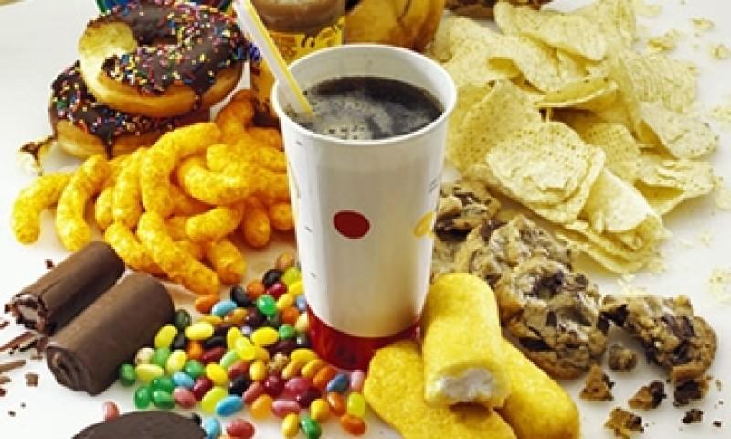 ¿Por qué preferimos comer alimentos con alto contenido calórico tras una noche de insomnio?