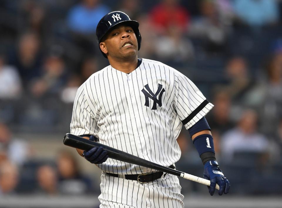 Los Yankees dejan en libertad a Edwin Encarnación
