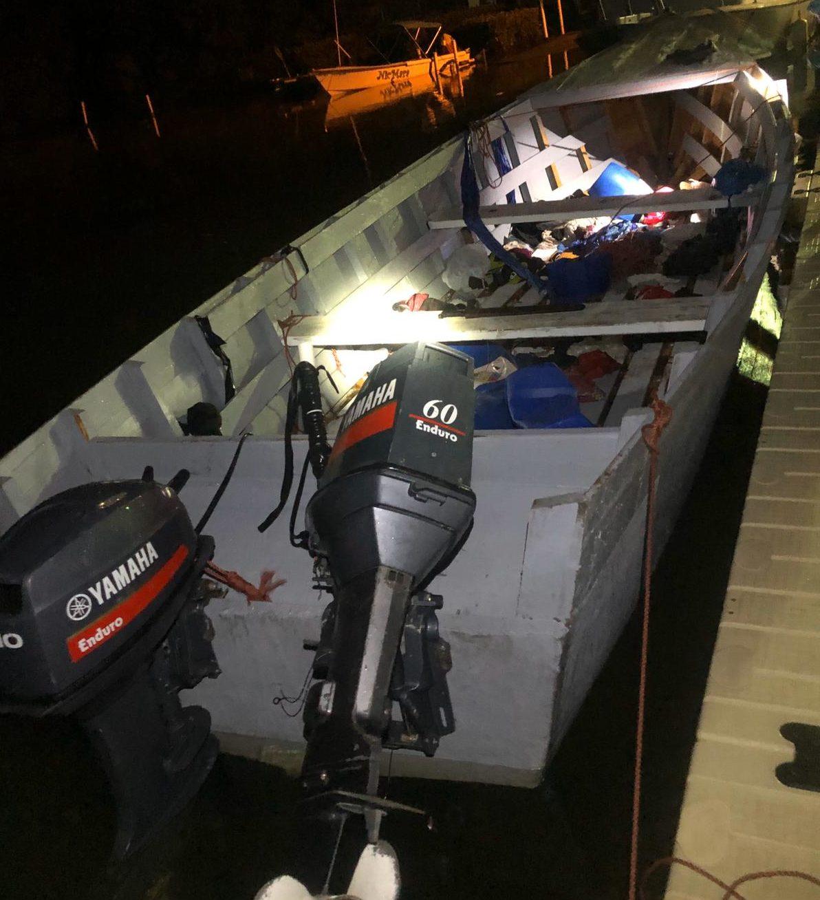 Detienen a 15 dominicanos al desembarcar ilegalmente en Puerto Rico