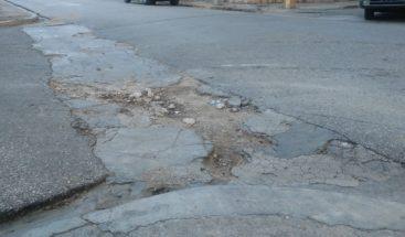 Residentes en sector de San Juan exigen arreglo de calles