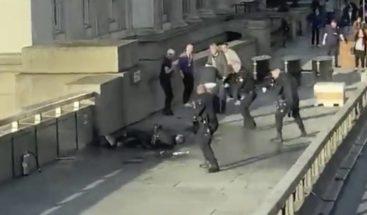 Dos muertos en el atentado terrorista en el puente de Londres