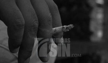 Sustancias tóxicas que se liberan al fumar podrían pasar un año en su organismo