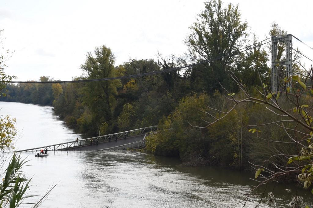 El puente en Francia se hundió al pasar un camión con más peso del autorizado