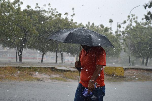 Meteorología pronostica lluvias dispersas sobre algunas regiones del país