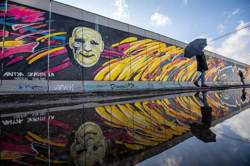 Testigos reconstruyen la caída del Muro de Berlín en su 30 aniversario