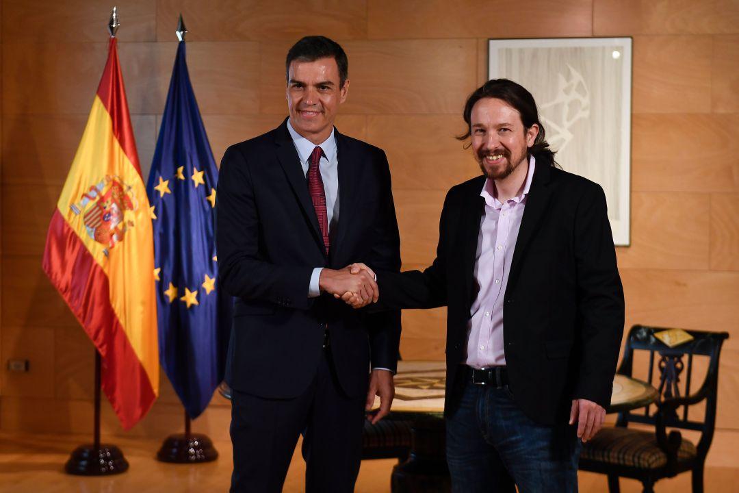 PSOE y Podemos firman acuerdo para formar un Gobierno progresista en España