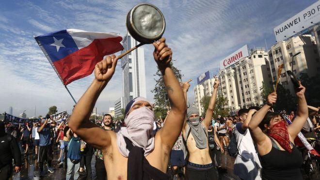 Gobierno confirma que sube a 22 la cifra de muertos en las protestas en Chile