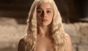 Emilia Clarke revela presiones para rodar desnudos tras