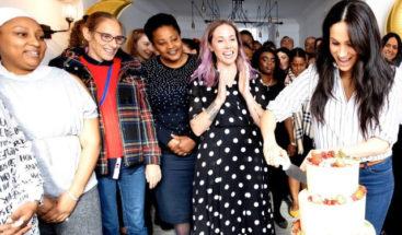 Meghan Markle inaugura una pastelería regentada por mujeres vulnerables