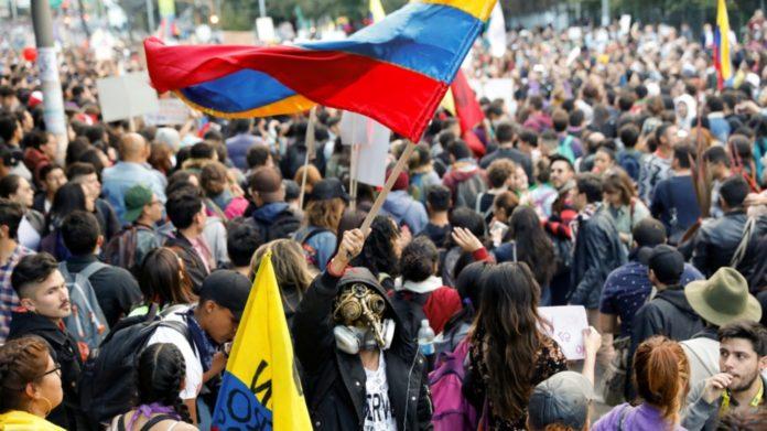 Sindicatos se levantan de mesa con Gobierno y llaman a nuevo paro en Colombia