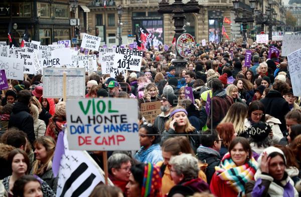 Francia sale a la calle para protestar contra la violencia machista