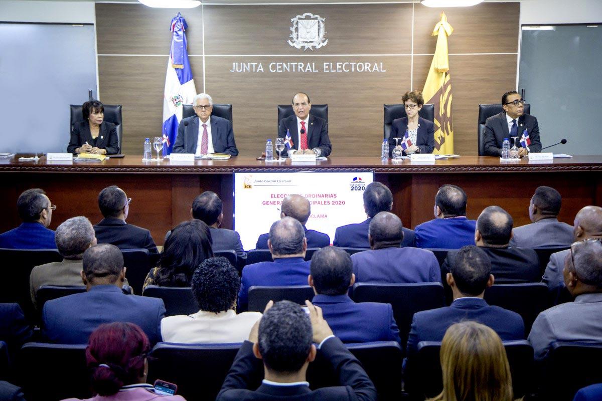 JCE propone conteo manual y voto automatizado para elecciones municipales 2020
