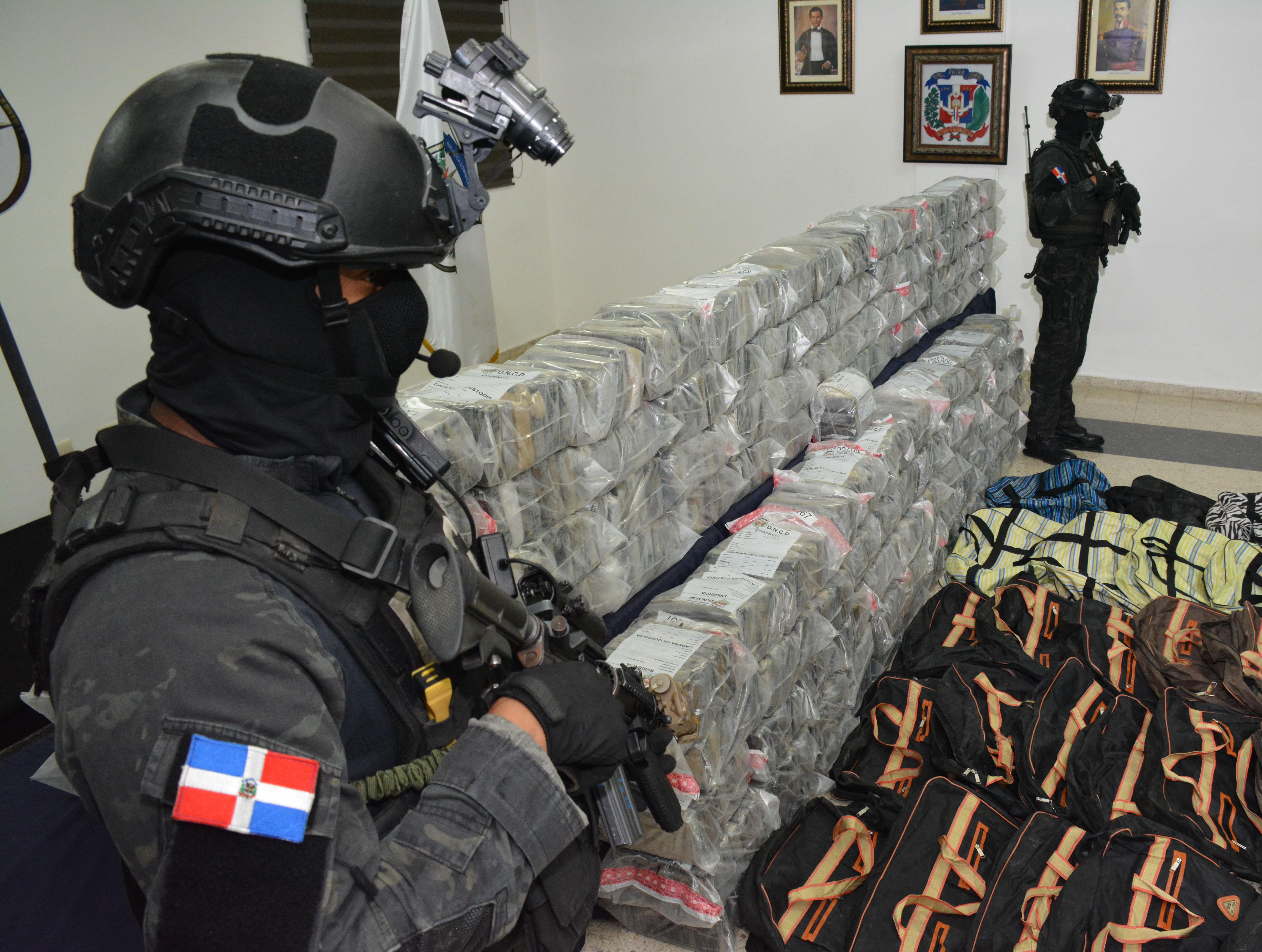 DNCD incauta 945 paquetes de cocaína en el Puerto Multimodal Caucedo