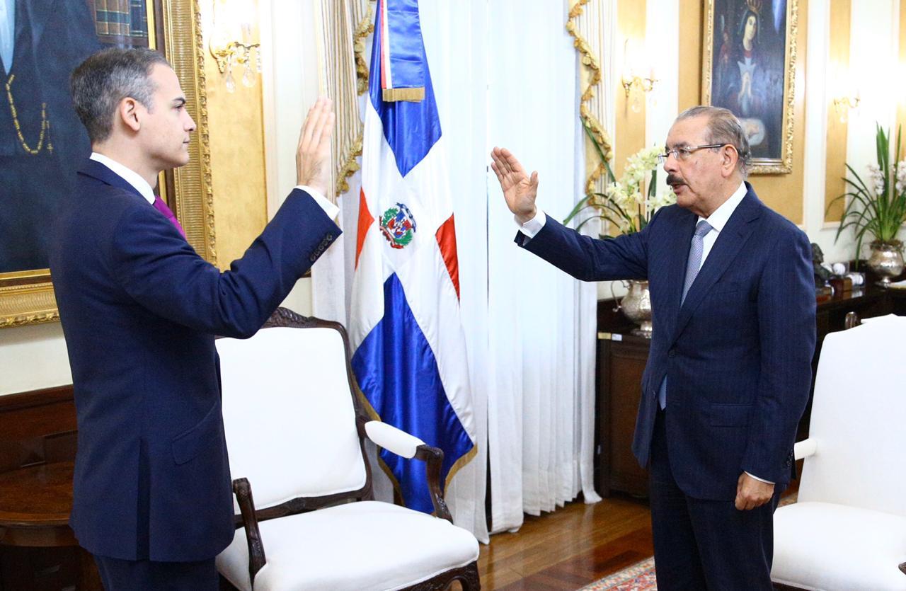 Josué Fiallo es juramentado como representante permanente de RD ante la OEA