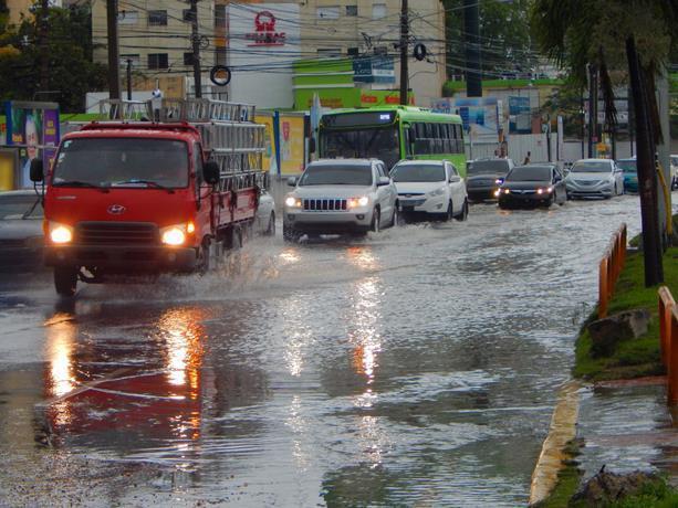 Onamet informa vaguada seguirá provocando aguaceros