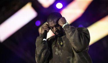 Los 11 temas del disco religioso de Kanye West llegan al Hot 100 de Billboard