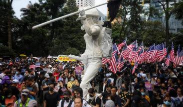 Manifestación pacífica pro-EEUU en Hong Kong acaba en tensión con la policía