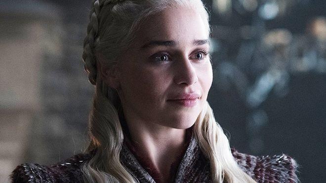 Emilia Clarke revela que la presionaron para hacer desnudostras