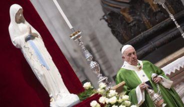 El papa insta a no prestar atención a quien