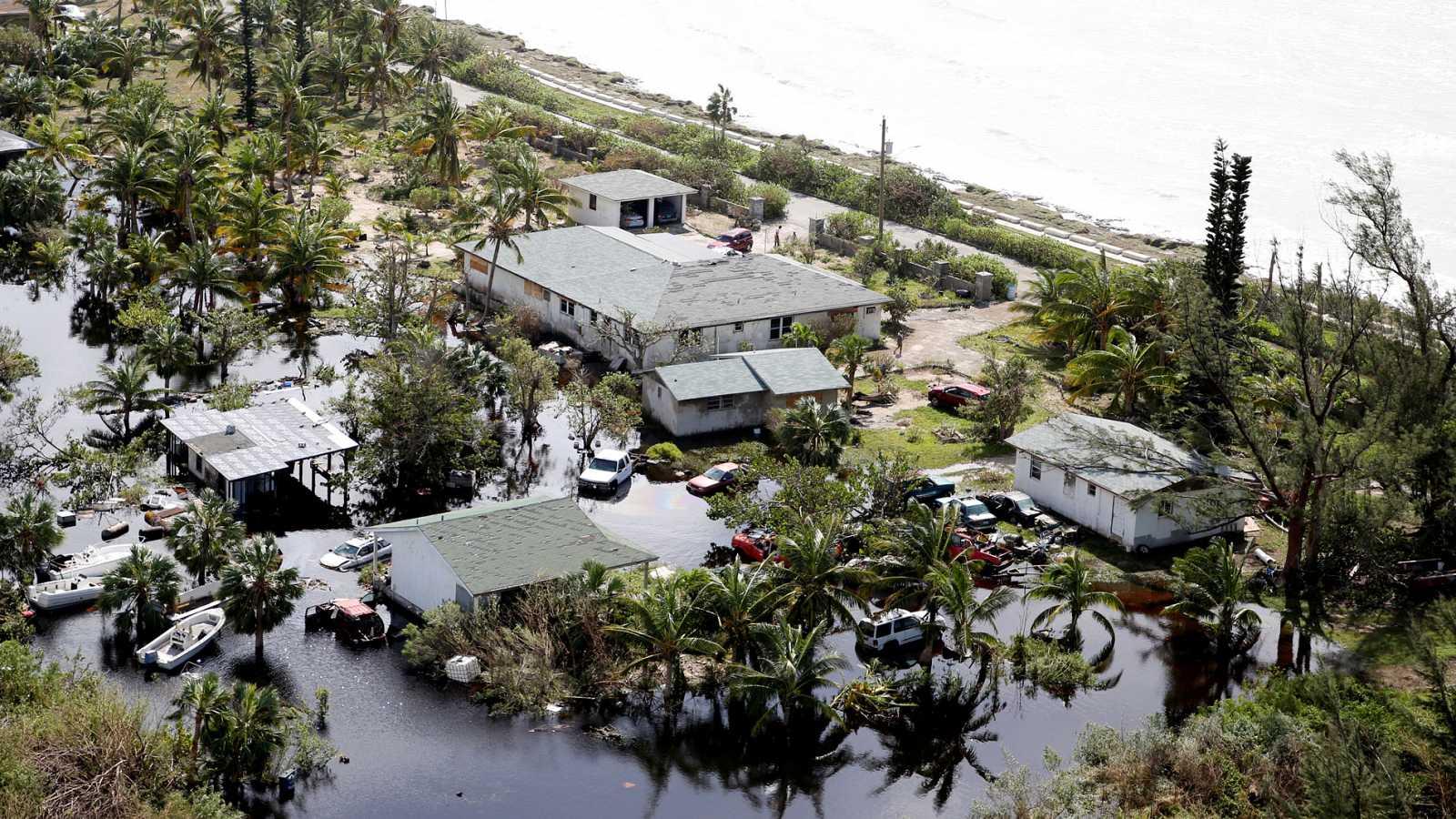 Llega a Gran Bahama el primer vuelo comercial después del huracán Dorian