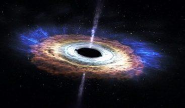 Descubren de qué se alimentaron los primeros agujeros negros del universo