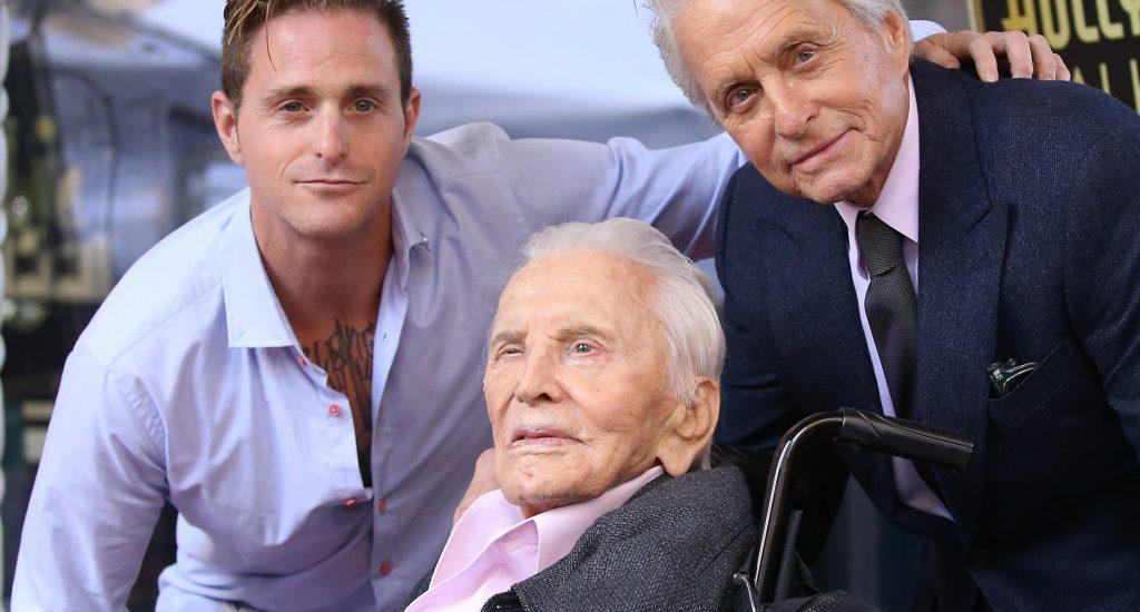 Kirk Douglas, el superviviente del Hollywood dorado, cumple hoy 103 años