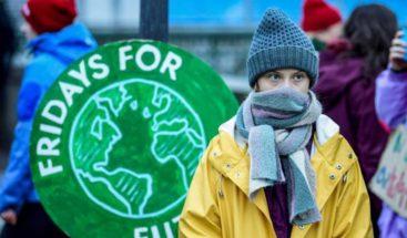 Greta Thunberg prosigue su huelga climática de los viernes desde Estocolmo